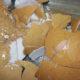 coquille cassee 80x80 - Alerte : mes poules cassent leurs oeufs